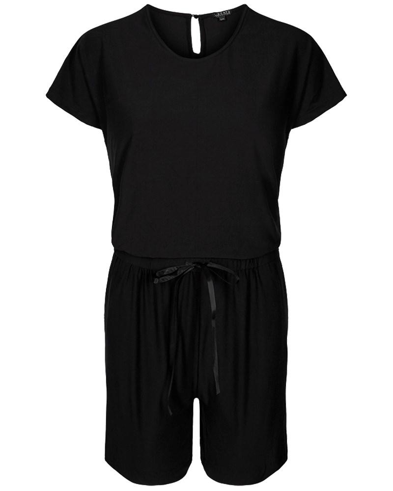 buksedragt med shorts